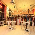 Bar terminado con mobiliario de Egur Lanak