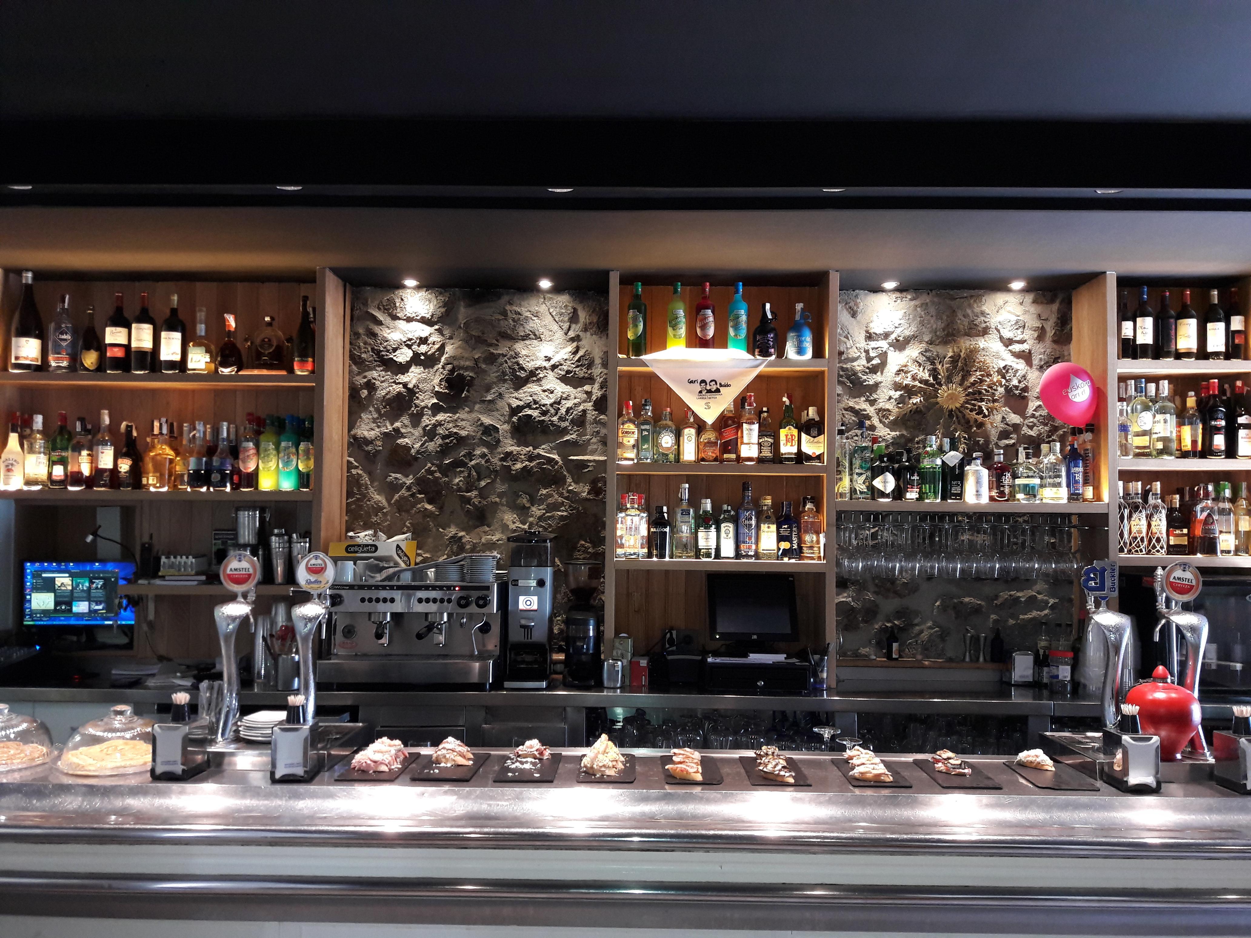Botelleros para bar egur lanak - Botelleros para bar ...