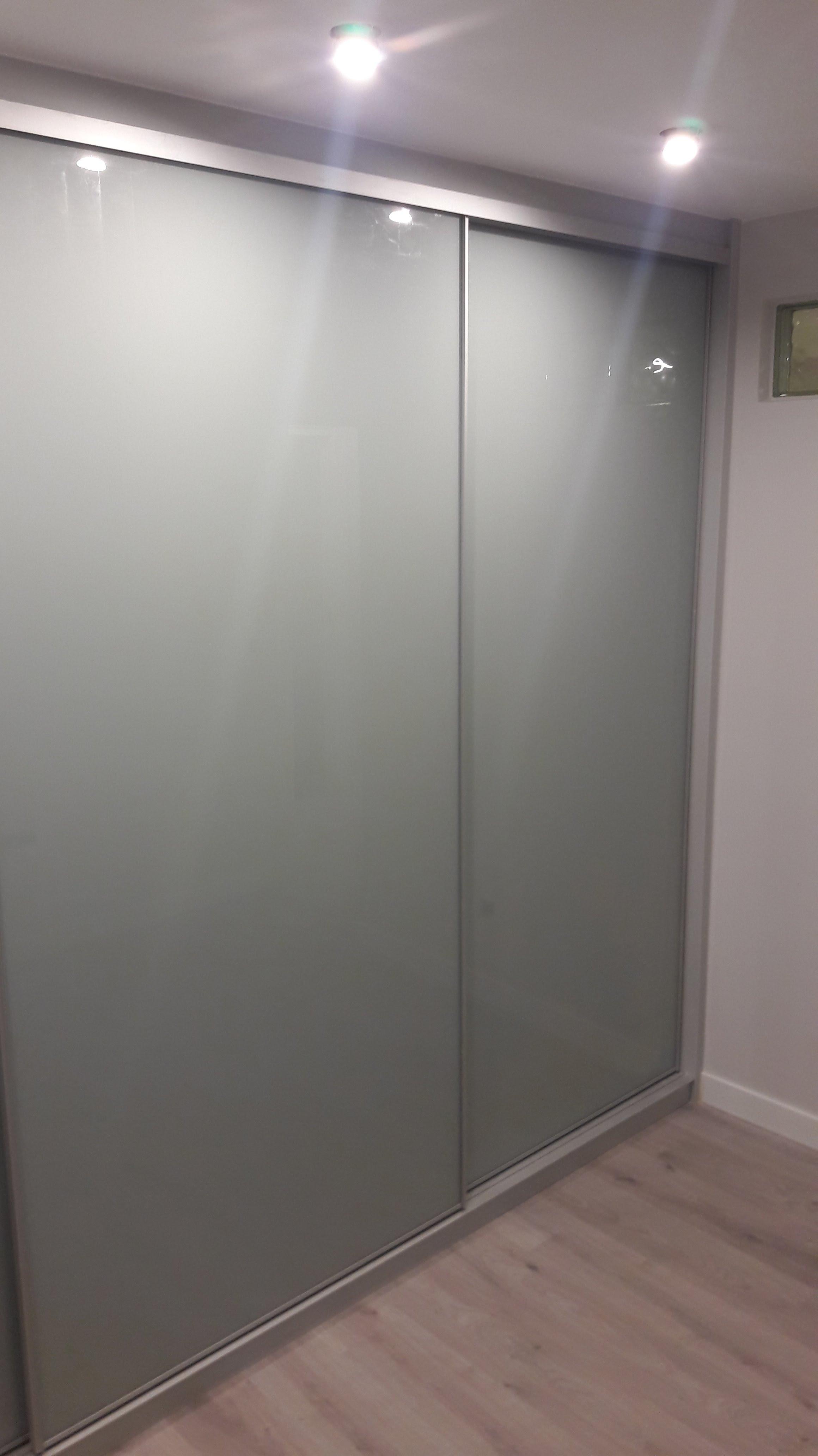 Armarios con puertas de cristal egur lanak - Armarios con puertas de cristal ...