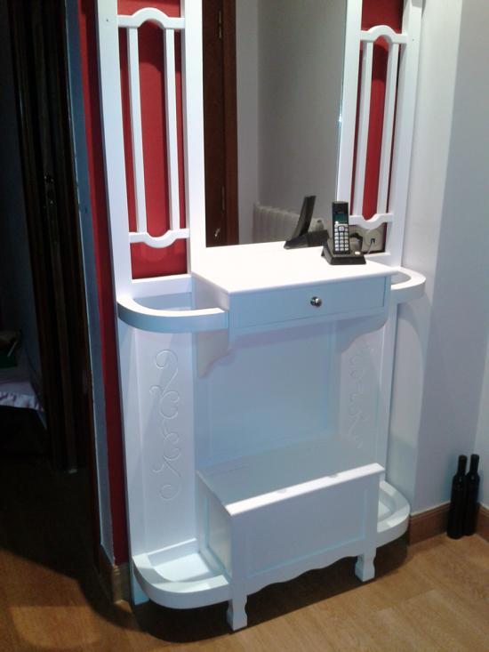Mueble entrada con espejo y cajón