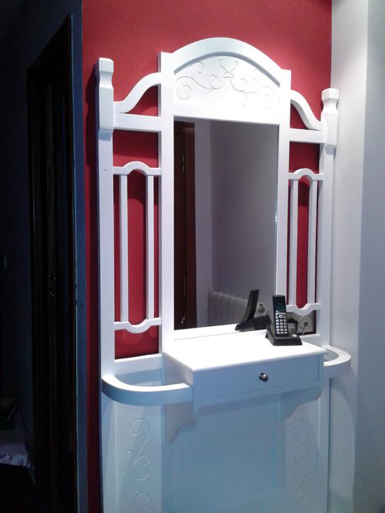 Mueble entrada con espejo