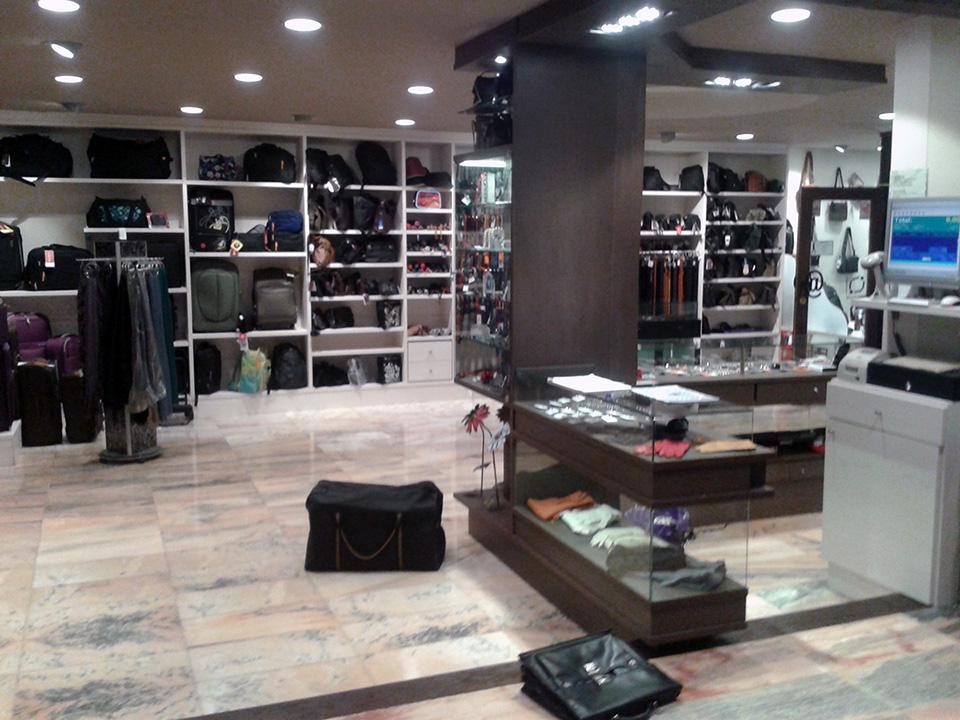 ... Muebles tienda de bolsos ... df28dd7265c6