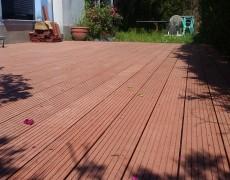 Suelo jardín madera